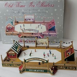 Mr Christmas Old Time Skaters